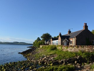 Luxury Cottage Overlooking Sea with Direct Beach Access Set In 2 Acres