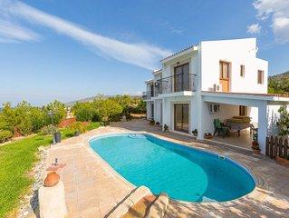 Villa Hermis: Large Private Pool, Walk to Beach, Sea Views, A/C, WiFi, Eco-Frien