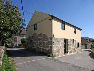 Casa - 3 dormitorios - 102074