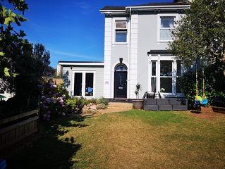 Large seaside Torquay home ideal for two or three families to holiday together