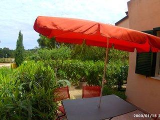 agreable appart T3 ,pres de la mer, jolie terrasse avec jardin et piscine