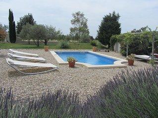 Mas provençal dans un cadre exceptionnel avec piscine chauffée