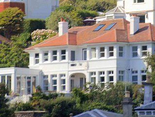 2 Bed Apartment - Sea Views, Few Steps, Parking, Pool / Tub access