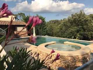 Villa 6 couchages et dependance 2 couchages, belle piscine,vue degagee