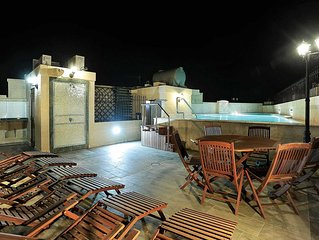 Unique Gozo townhouse w/ aircon, rooftop terrace and adventures aplenty