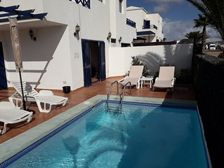 Detached villa with pool in sought after location close to Marina Rubicon!