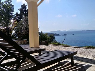 Holiday house with stunning views nearby the cozy village Afionas