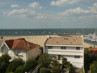 Beau T1 grande terrasse, vue mer, parking, dernier étage, accès direct plage