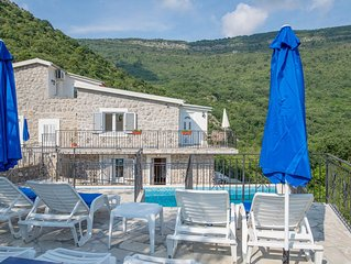 Large Communal Pool, Sun Terraces, Sea and Mountain Views, 2 km to sea