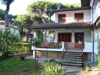 Villa tennis con giardino