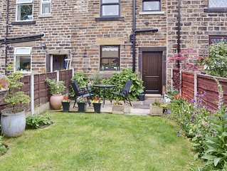 2 bedroom accommodation in Glossop