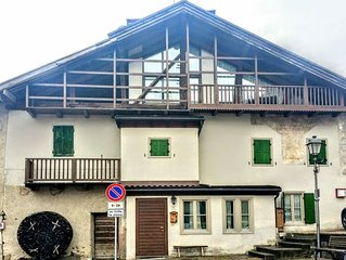 Splendida mansarda  vista Dolomiti a Mezzano. 4 posti comodi più divano letto.