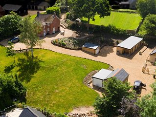 20% off Cottage with Covered  Hot Tub 38C sleeps 6,New Forest National Park