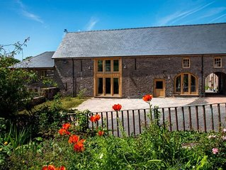 Stargazers Barn - Five Bedroom House, Sleeps 10