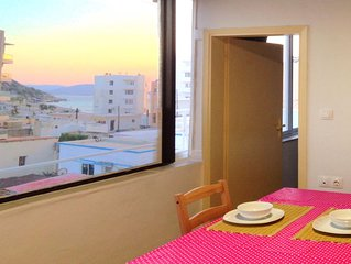 Loft for 2  with sea view, close to Elli beach