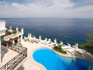 7 bedroom Villa, sleeps 14 with Pool, Air Con and FREE WiFi