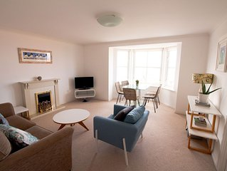 Rockpool View is a sunny seaside apartment in the picturesque town of Dunbar.
