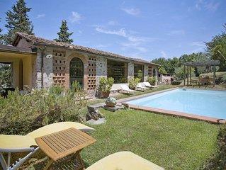 Villa a Badia Cantignano con 4 camere da letto e 8 posti letto