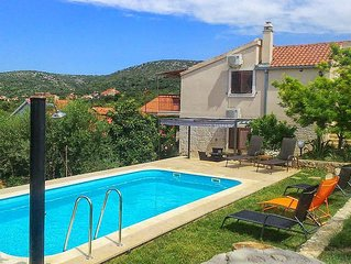 Holiday house with a swimming pool Vinisce (Trogir) (K-7510)
