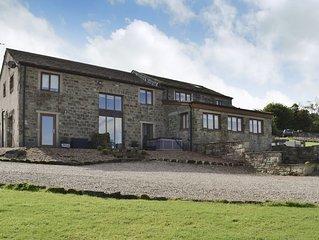 2 bedroom accommodation in Buckley Green, near Haworth