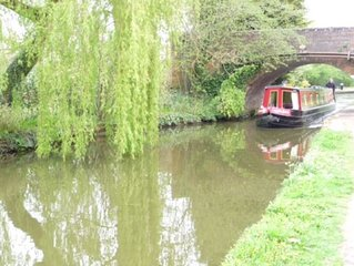 62ft,up to 8 berth narrow boat to rent