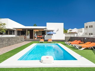 Villa Tuco: Large Heated Private Pool, A/C, WiFi