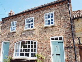 Stunning 3 Bedroom Cottage & Garden in Thornton. Family & Bike Friendly. WiFi.