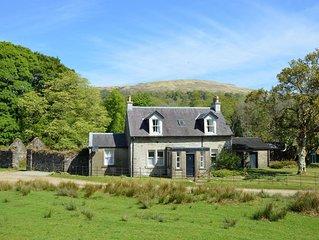 Garden cottage, estate property set in amazing gardens, pet friendly, Wi-Fi
