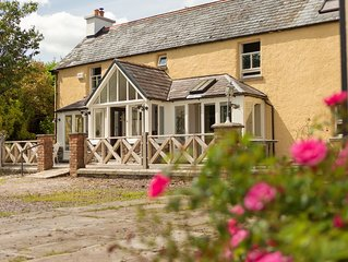 Charming restored lime rendered and stone old farmhouse