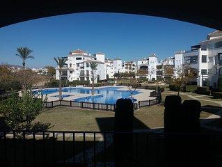 Apartamento Terraza con vista Piscina Jardines Golf