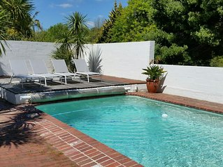 Stunning Villa, Pool, Mountain View & Close To Vineyards Of Groot Constantia