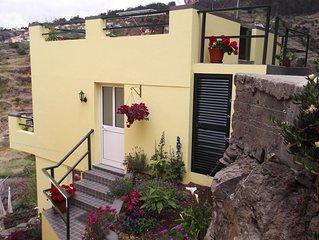Palheiro Cottage - Stunning views of mountains & sea