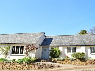 Beautiful Devon Cottage near Exeter with easy access to the moors & coast