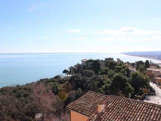In pieno centro a Sirolo, con meravigliosa vista mare