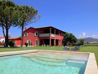 Big Villa in Grosseto with Swimming Pool