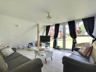 The Beach House - Three Bedroom House, Sleeps 6