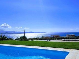 Villa haut de gamme bord de mer, vue imprenable, proche Naoussa et Santa Maria