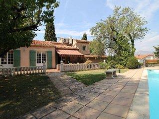 Spacieuse Maison provençale au calme, grande piscine