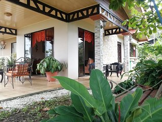 Private House Green Paradise- Wifi, Jacuzzi, A/C
