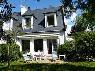 Maison avec jardin clos a 50 m de la promenade sur la baie et proche des plages