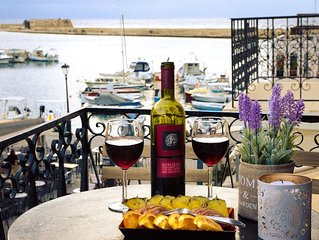 Casa Ithomi, 3 Bedroom Maisonnet, Old Harbour Chania