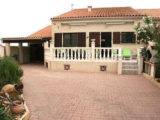 Maison climatisée avec jardin à 300 m de la plage