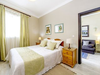 aloha apartments - Two Bedroom House, Sleeps 4