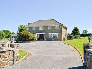 5 bedroom accommodation in Narberth