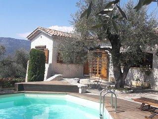 Maison individuelle au coeur d'une oliveraie