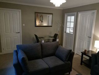Luxury Boutique Sytle One Bed Apartment Tranquil Setting 5 Min Drive to City