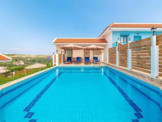 Set within a brand new complex of villas, cleverly designed to make the most of