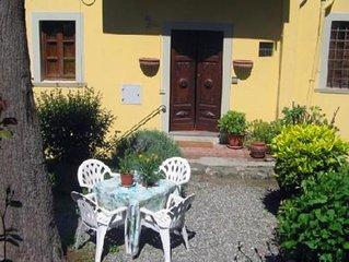 Appartamento di 'Charme' con giardino a due passi dal Duomo  Barga Lucca Toscana