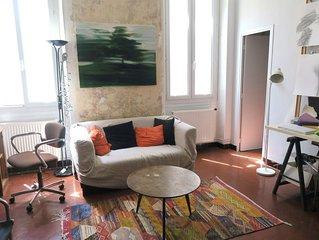 Charmant appartement de 70m2 avec terrasse, location atypique,  à Marseille 1er