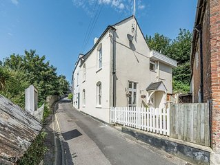 3 bedroom accommodation in Arundel